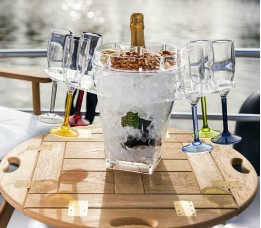 16500 - Party Set Champagne (W/Snacks And Holders) - 1 set