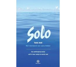 Solo - Een achttienjarig meisje zeilt alleen de wereld rond. 5e druk